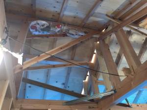 何だろ?ってな感じですが私が上棟式で持っていた幣串が屋根裏に。平和を願う守り神です